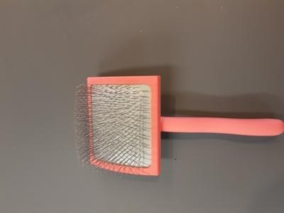 Christ Christensen Slicker Brush Big G pink